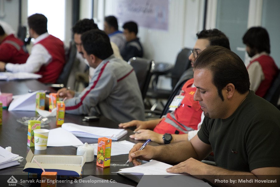 Holding International Course of IOSH Managing Safely in Azar Oil Field Complex